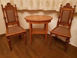 2 db Ónémet szék, hozzá illő ovális asztalkával eladó, tulajdonosától