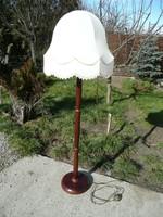 Régi fa állólámpa szép állapotban, tökéletes működéssel