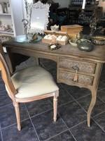 Francia íróasztal