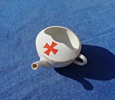 Régi vaskeresztes porcelán ivócsésze