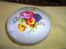 Aquincumi porcelán ékszertartó, doboz