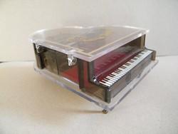 Átlátszó zongora zenélő ékszeres doboz Toyo (japán) szerkezettel