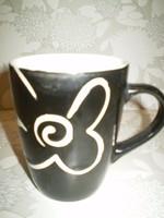 Bögre vásár kiárusítás: Fekete/fehér stilizált virág mintás porcelán reggeliző bögre 3dl.