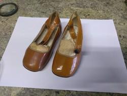 Régi kisgyerek cipő 22-es, 13cm belső talp hosszúsága