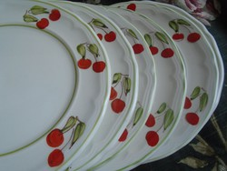Olasz kerámia, cseresznyés süteményes tányérok.