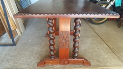 Mahagoni,tömör fa étkező asztal!