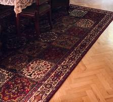 Nagy méretű perzsa szőnyeg