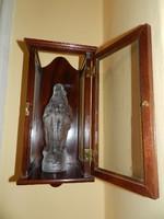 Szűz Mária kegytartó, szobortartó, fali szekrény