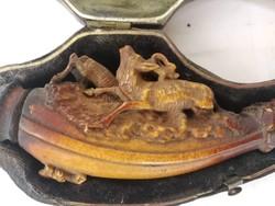 Antik gyönyörű tajték pipa tokjában szarvas díszes vadász téma