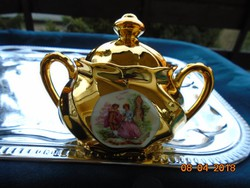 Zsánerjelenettel,bordázott csavart,aranyozott cukortartó 11 cm