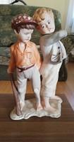 Vitázó fúk -biszkvit szobor 23 cm