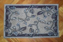 Régi inda mintás kis szőnyeg  79 x 50 cm