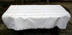 Erdélyi vászon terítő három szélű klöpli csipkével 159 x 113 cm