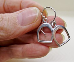 Szép kis kengyel  ezüst fülbevaló