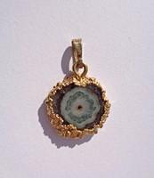 835-ös aranyozott keretben ásvány lapka medál