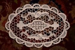 Erdélyi varrott csipke dísz terítő 28 x 20 cm