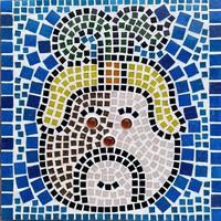 Maja kukorica isten - üveg mozaik falikép - Drozdik Ili grafikus