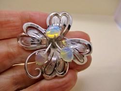 Szépséges régi  ezüst  bross tüzes fényű valódi opálokkal