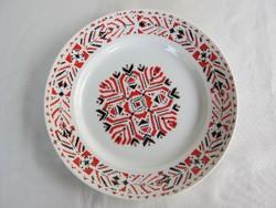 Hollóházi porcelán dísztányér