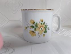 3144- Zsolnay sárga rózsás bögre