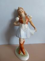 Extrém ritka,tündéri,nagyméretű,táncoló Bodrgokeresztúri kislány