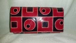 Piros, fekete mintás, bőr pénztárca