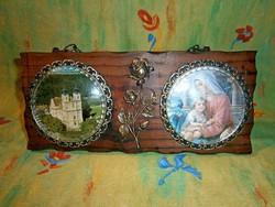 Különleges falra akasztható fa kép vár és szent (Mária Jézussal) képpel, rózsával