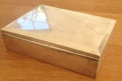 Ezüst szivar/ kártya tartó, fa rekeszes doboz eladó 630 gr (netto)