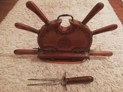 Indiai húsvilla és kés készlet, faragott fa tokban