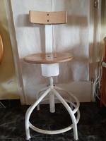Retro háttámlás orvosiszék, állítható 51 cm - 69 cm