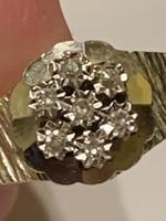 Nagyon szép margaréta mintás 14 kr arany gyűrű brillekkel diszitve eladó!Ara:52000.-