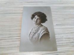 Antik képeslap Szépség (1918)