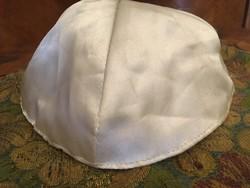 Fehér selyem kipa