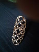 Dekoratív bizsu gyűrű, csipkemintázat