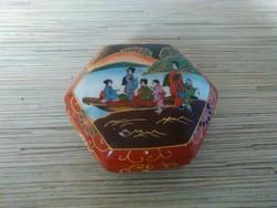 Keleti porcelán bonbonier kézzel festett.