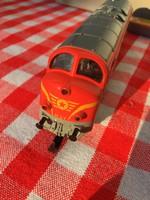 MÁV magyar Piko Diesel 5/6004 vonat dobozában - fém vasút - játék - mozdony