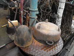 Teschen öntöttvas háromlábú vas lábas edény 2db középkori vintage öntőtégely + lábas