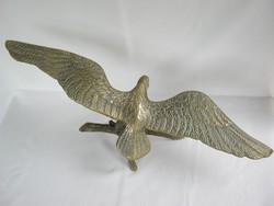 Réz nagy méretű kitárt szárnyú sas madár