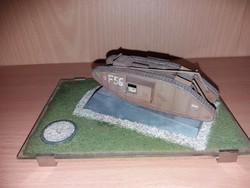 Tank Makett Talpazattal