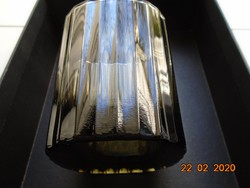 Négyszögletes,bordázott,vastag talpú,füst színű modern pohár