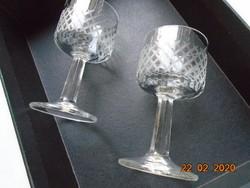 Régebbi,kézzel csiszolt rombusz mintákkal,fazettált szárú talpas aperitif pohár