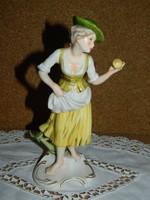 Ritka antik Hummel,Goebel almaszedő nő