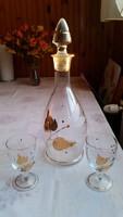 Arany leveles boros palack, üveg, 2 db boros pohárral eladó! eladó!