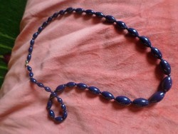 60 cm hosszú , klasszikus kék , porcelán nyaklánc , szép állapotban .