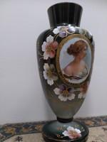 Nagyméretű bécsi bieder váza, festett viktoriánus hölgy portréval