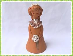 Fábián Zója készítésű csodás kézműves kerámia kislány