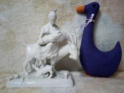 """20216A10 Extrém ritka Herendi porcelán fehér figura """"Nő kecskén"""". Igazi gyűjtői darab!!!"""