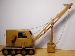Fából készült vonóköteles bányagép az 1930-as évekből, gyűjteménybe való darab