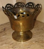 Szecessziós fém kínáló 12 cmd:12 cm.Pici kopással.