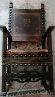 Igazi antik trónszék a XVIII-XIX. századból. Összes bronz szegecs megvan. Ülő részt kell javítani.